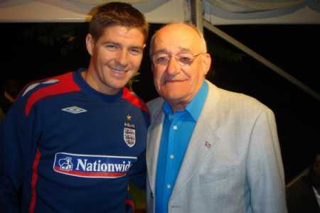 with Steven Gerrard. What a gent!